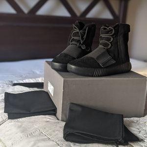 Yeezy Boost 750 - Triple Black